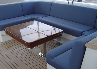 blue-seating-end-on-with-table-960x540